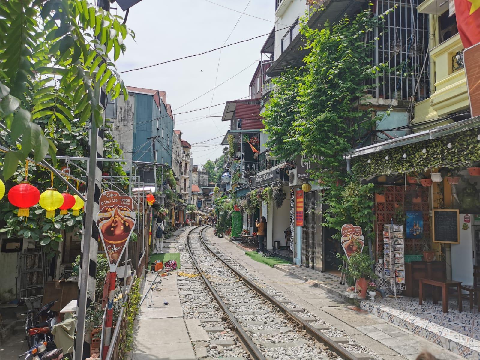 Vía de tren en Hanoi